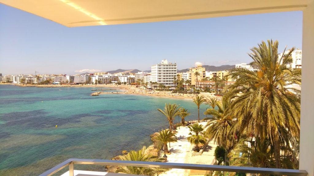 Platja d'en Bossa strand Ibiza